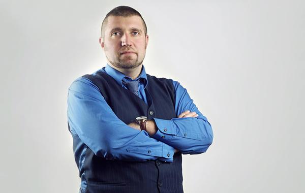 Дмитрий Потапенко: «Теперь бизнес отжимают с помощью закона»