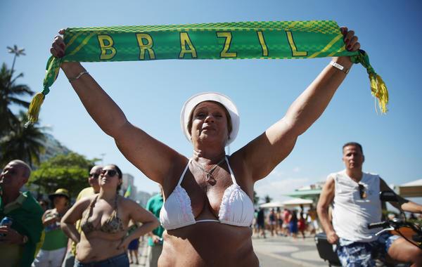 Почему Бразилия падает