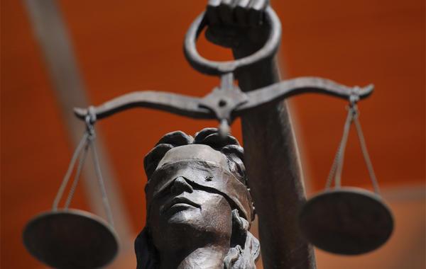 Как сэкономить на услугах юристов