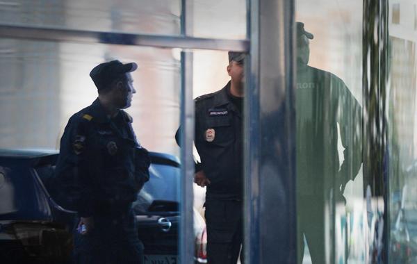 В офис пришли из полиции или ФСБ — с «обследованием». Что делать?