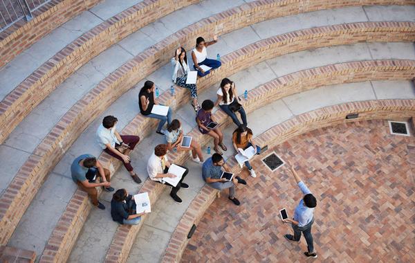Снова в школу: Сколько приносит бизнес на лекциях и экскурсиях