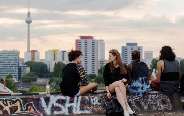 «Мы живём в стране, где никому ничего не надо»: Россияне о бизнесе в Берлине