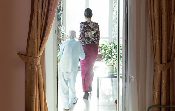 Пенсионная реформа: Кто и как строит в России частные дома престарелых