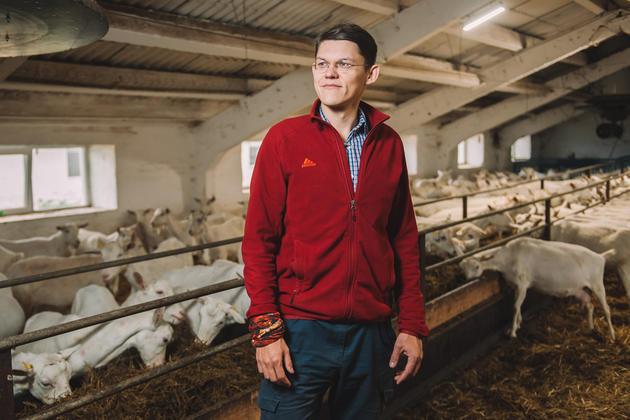 Забодали Россию: Семья Кожановых стала лидером рынка снеди из козьего молока