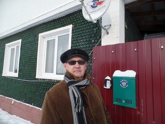 Гражданин Челябинской области живет вдоме из12 000 бутылок отшампанского