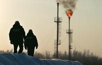 Россия стала крупнейшим добытчиком нефти в мире. Чем это грозит?