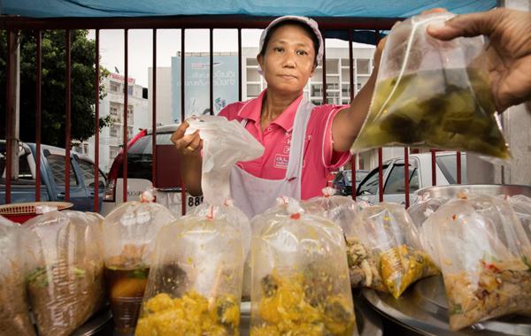 Пакетик нужен: Как Таиланд помешался на упаковке и кто на этом зарабатывает