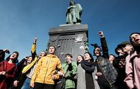 «Не хочу молчать»: Что предприниматели думают об акциях протеста