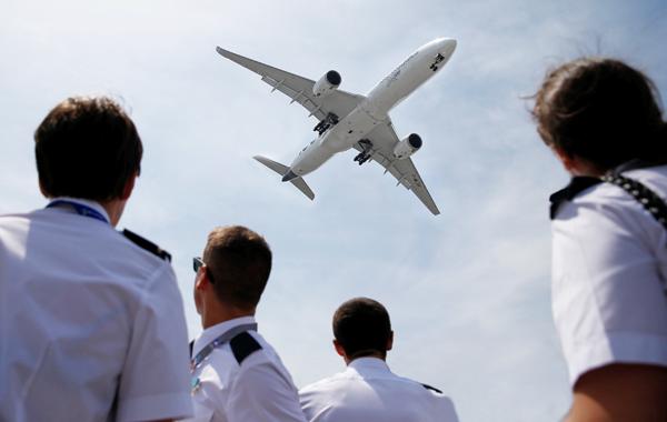 Кризис в небе: Почему пилоты, авиационные техники и инженеры бегут из России