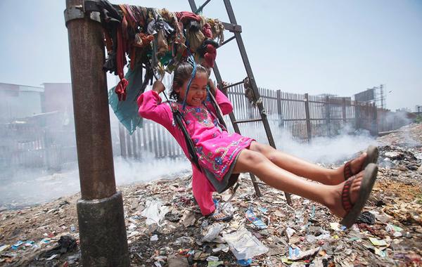 Бич консьюмеризма: Почему модная индустрия уничтожает планету