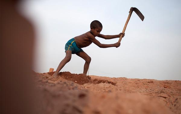 Кровь, пот и слёзы: Как корпорации используют рабский труд