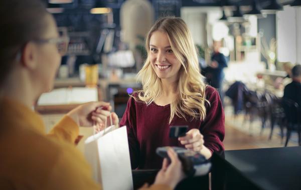 Зачем вашему магазину  выдавать кредиты от Тинькофф Банка