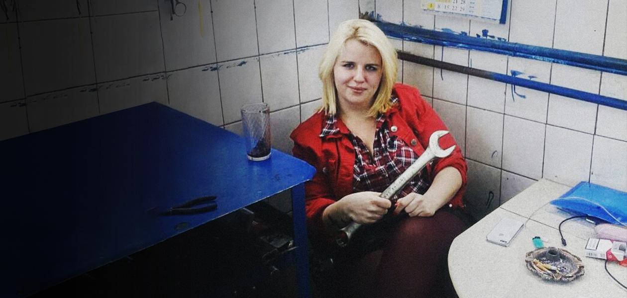Блондинка под машиной: Как Дария Каменская управляет своим автосервисом