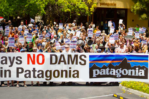 «Украл нашу землю»: Как легендарная марка Patagonia борется с Трампом