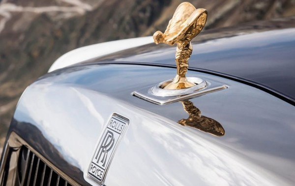 Rolls-Royce представит свой первый внедорожник