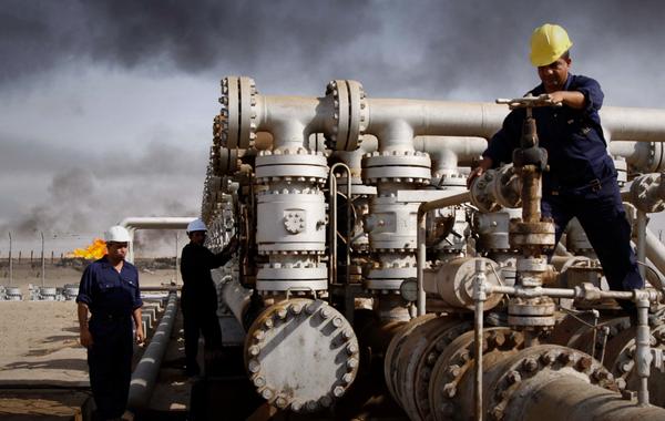 Нефть растёт, а рубль — нет. Почему?