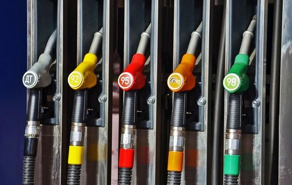 Нефтяники пообещали больше не повышать цены на бензин