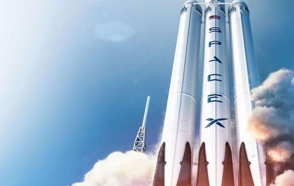 SpaceX получил первый военный контракт