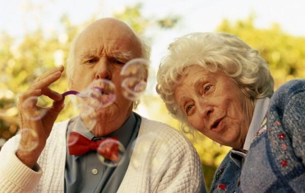 Госдума отложила обсуждение повышения пенсионного возраста