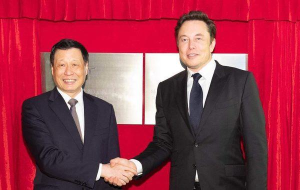 Tesla построит гигантский завод в Китае