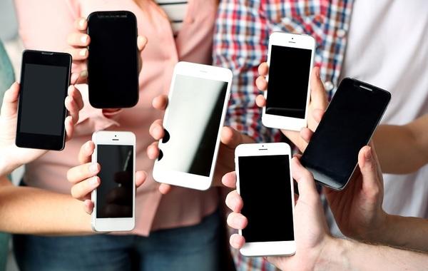 Сбербанк и Тинькофф-банк запустили взаимные переводы по номеру телефона