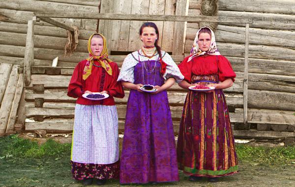 Осётр с груздями, бурятские буузы и ВОДКА: Как заработать на гастротуризме в России