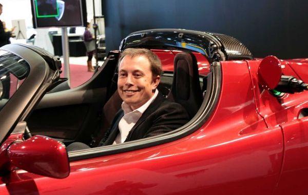 Илон Маск ищет деньги на выкуп акций Tesla (обновлено)
