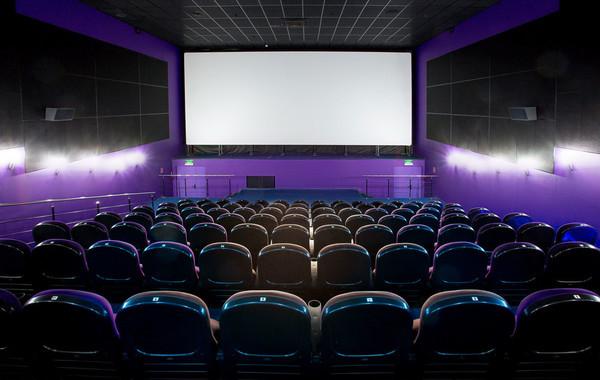 В России начали закрываться кинотеатры
