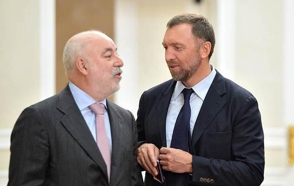 Кипр заморозил счета Дерипаски и Вексельберга