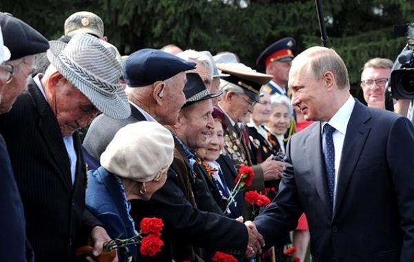 «Проект»: Путин объявит о смягчении пенсионной реформы (обновлено)