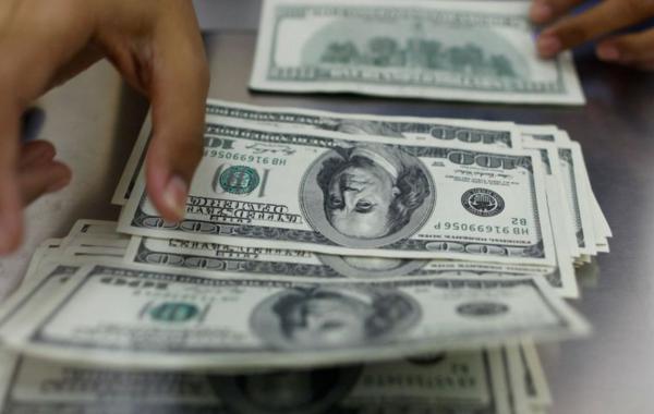 Минфин поддержал план главы ВТБ по отказу от доллара