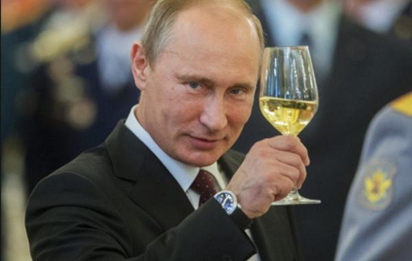 Путин рассказал о рекордном росте реальных зарплат в России