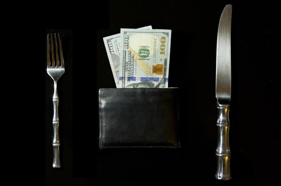 Посетители ресторана в США несколько дней оплачивали чужие заказы, чтобы поддержать друг друга