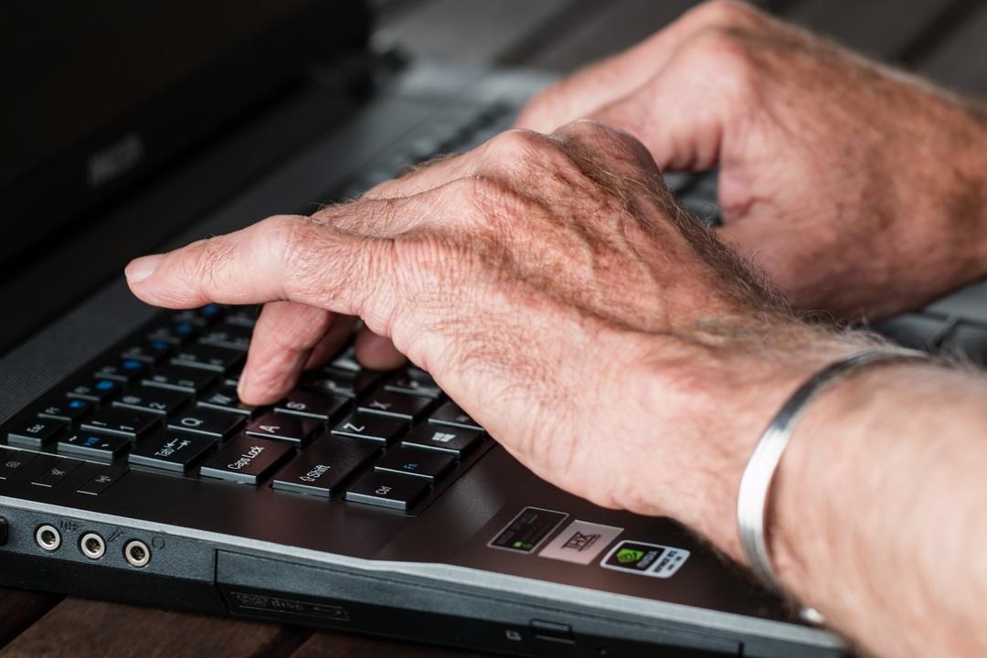 Россияне готовы массово податься в блогеры ради прибавки к пенсии