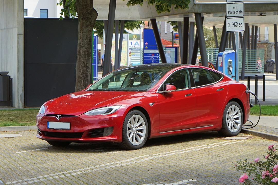 В Tesla обнаружили дефект. США требуют отозвать более 150 000 автомобилей