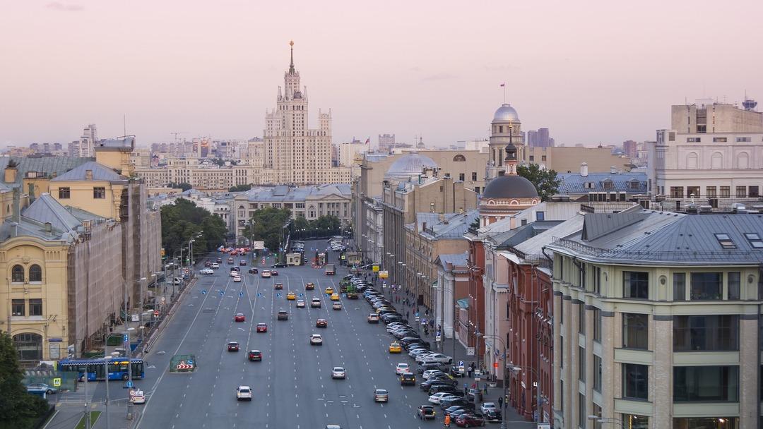 Москва стала лидером в России по соотношению средней зарплаты и торгового оборота