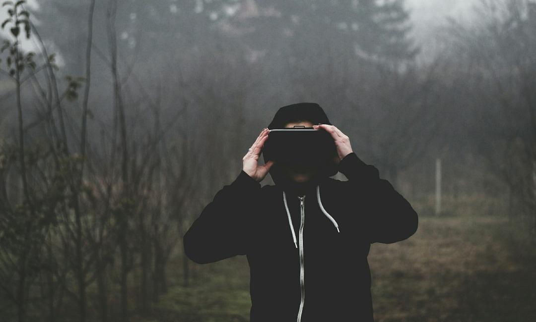 Apple разработает гарнитуру виртуальной реальности