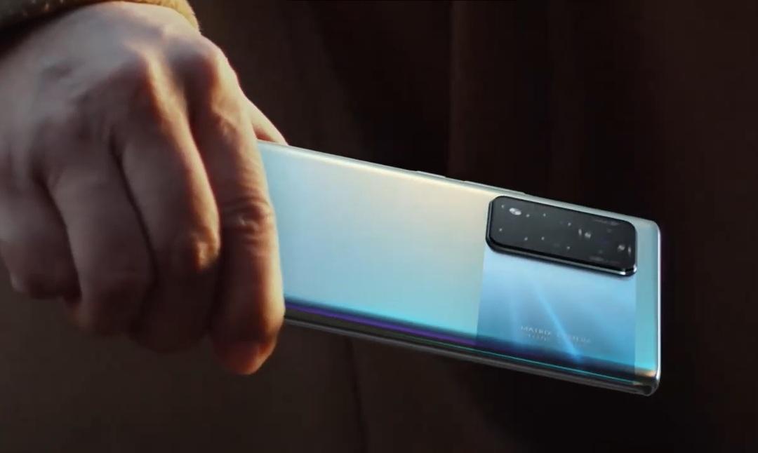 Honor выпустил первый смартфон после ухода от Huawei. Сервисов Google в нём не появилось