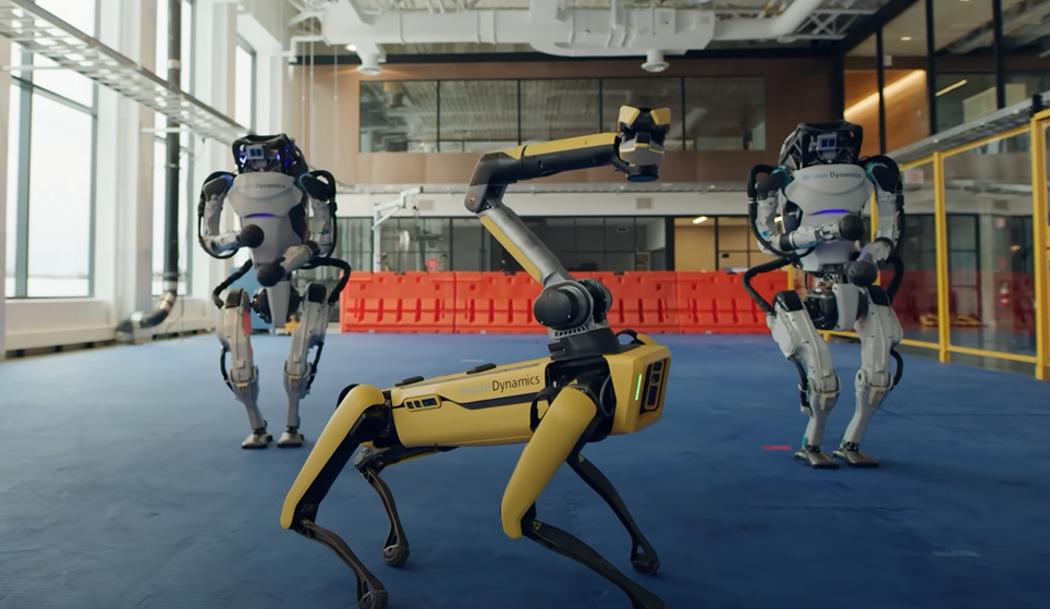 У робопса Boston Dynamics появилась рука. Теперь он умеет сажать цветы и крутить скакалку