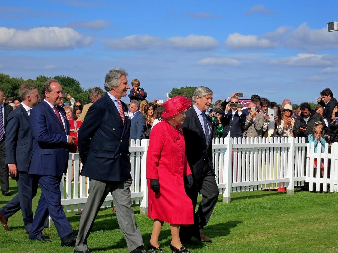 Королеву Британии уличили в сокрытии богатств с помощью закона