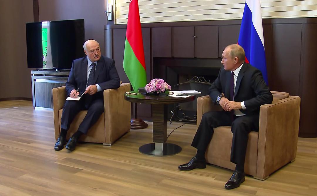 Белорусские власти попросят у России ещё $3 млрд