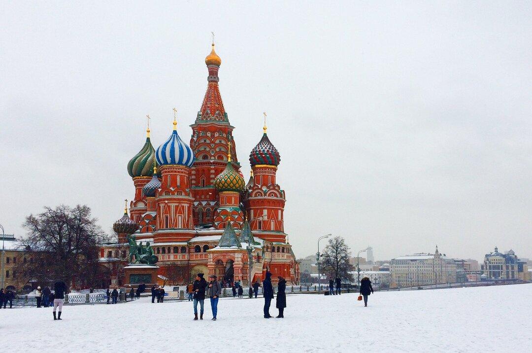 Востребованным специалистам из-за рубежа захотели выдавать бессрочный вид на жительство в России