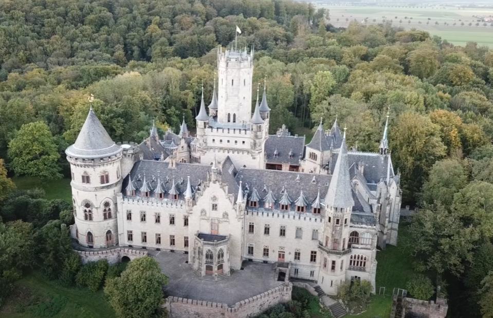 Сын немецкого принца втайне от отца продал фамильный замок за 1