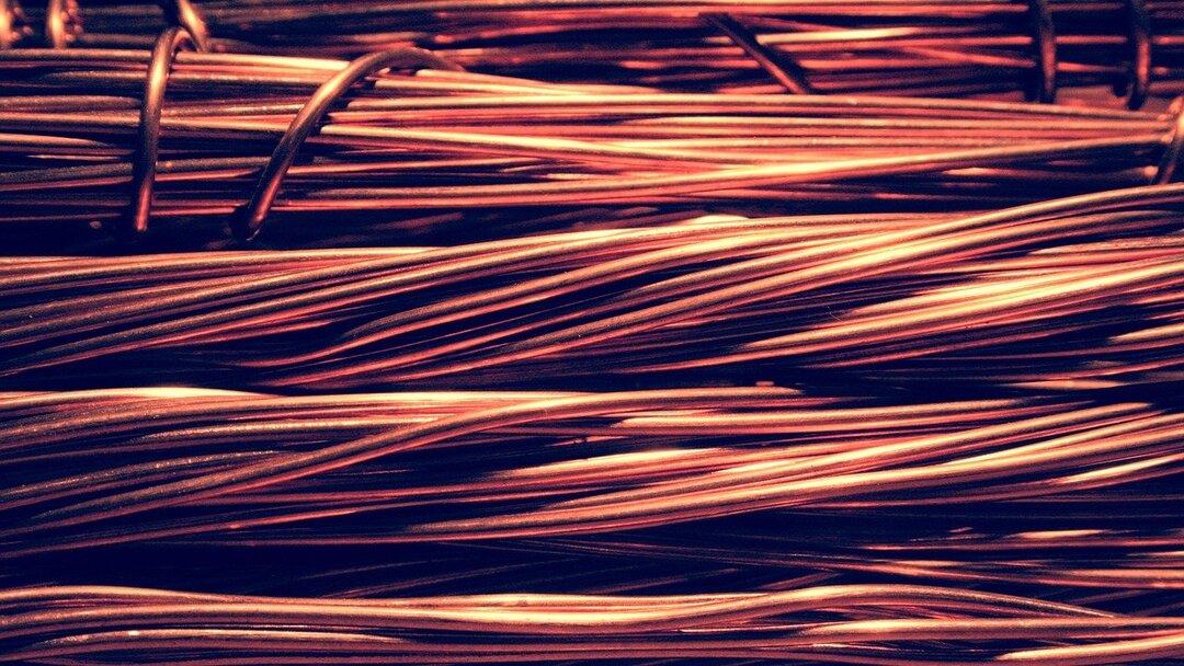 Цена на медь впервые с 2011 года превысила $9 тысяч