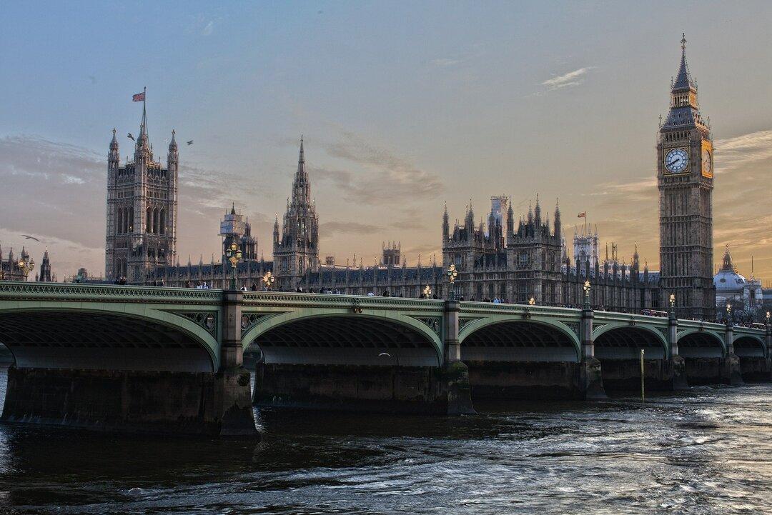 США и Великобритания замышляют новые санкции против российских олигархов