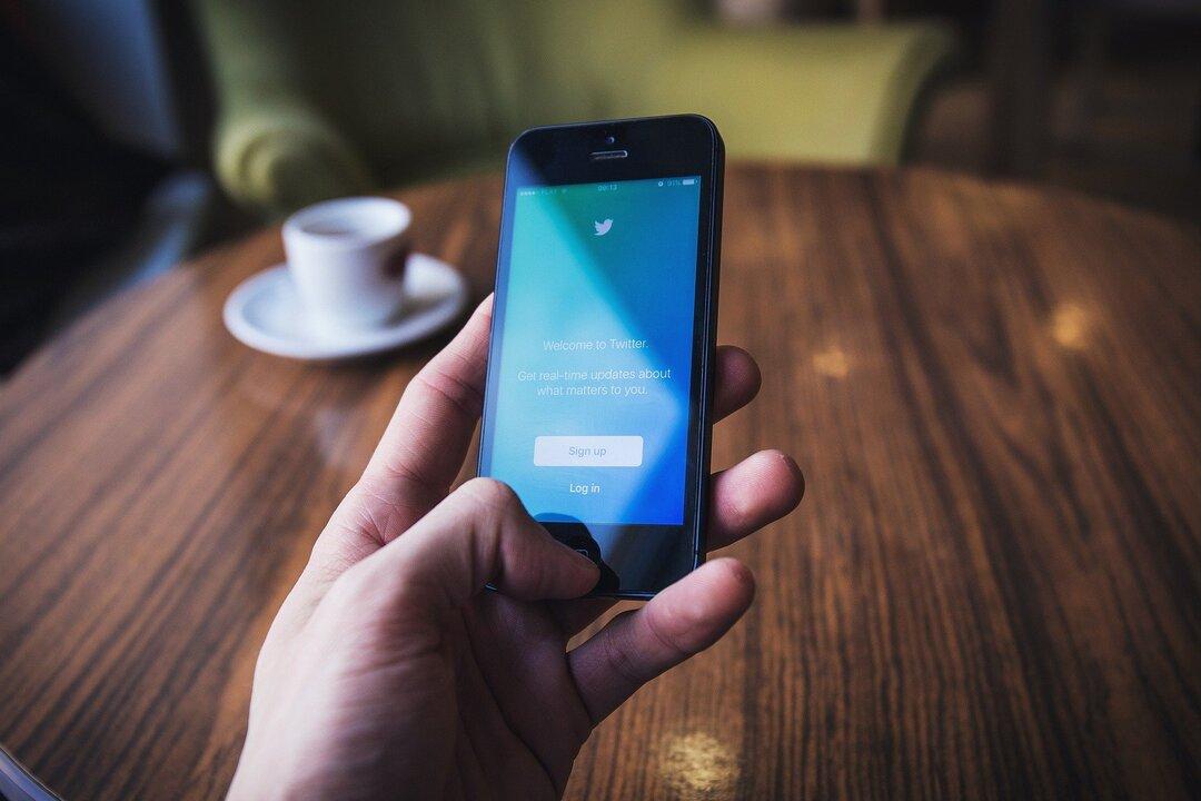 Роскомнадзор отчитался о штатном замедлении Twitter