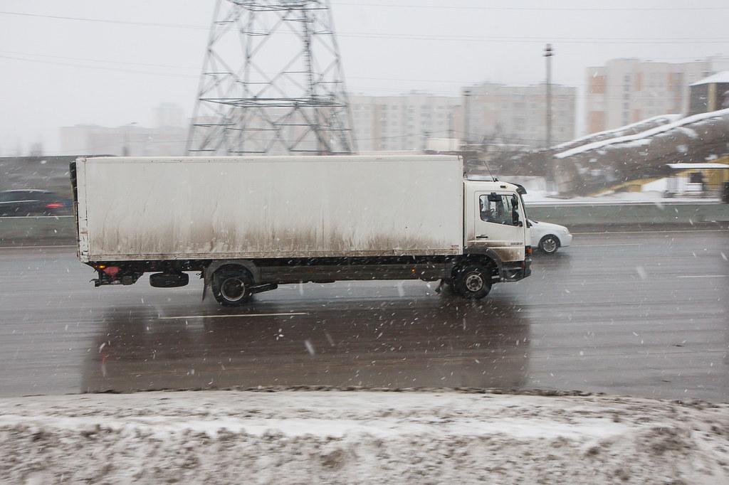 В Москве отложили новые ограничения на МКАД. Из-за них бизнес предупреждал о подорожании продуктов