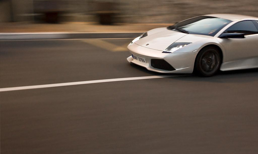 Богатые клиенты выстроились в очередь за Lamborghini и принесли компании рекордную прибыль