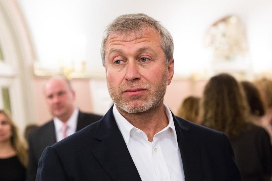 Абрамович подал в суд на издателя книги Люди Путина