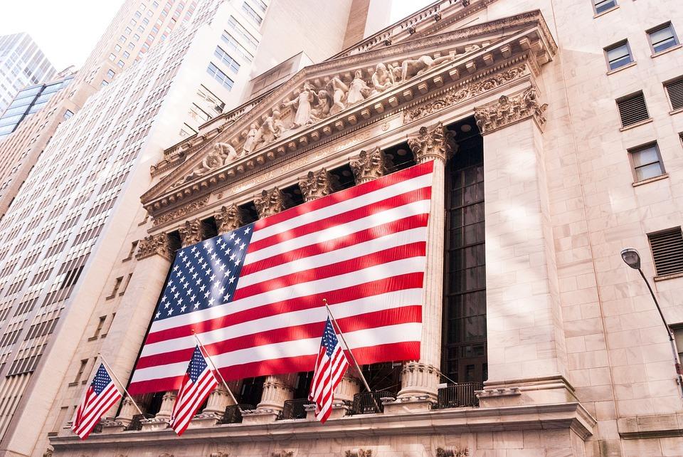 Goldman Sachs и Morgan Stanley за день распродали акции на $18,5 млрд